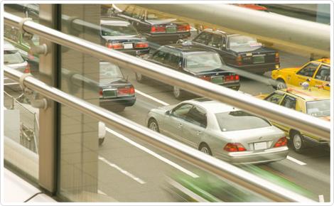 タクシー会社は都内に459社あり、40代以上の方が多く活躍している業界です