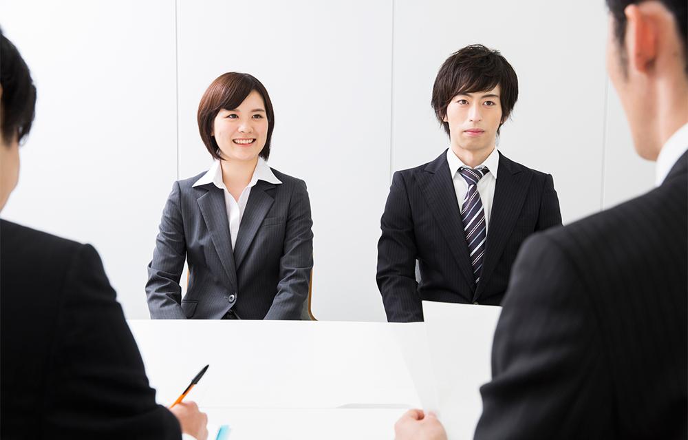 """""""タクシードライバー""""に新卒採用が増えている!"""
