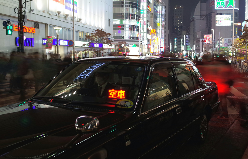"""""""タクシーの運転手""""労働時間や休日ってどのくらい?"""