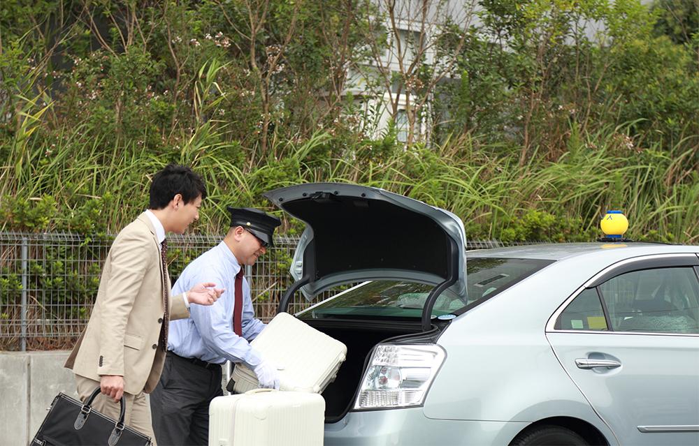 運転に苦手意識があってもタクシードライバーになれる?
